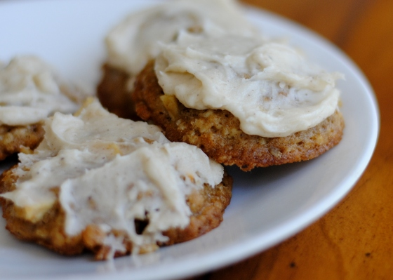apple oatmeal with browned butter frosting